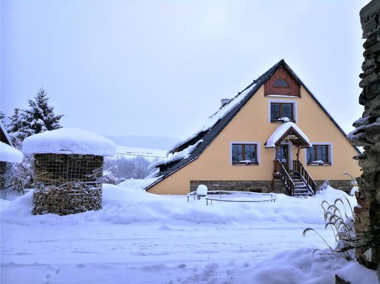 Apartmány a Autokemp V Zátiší Zimní foto 2