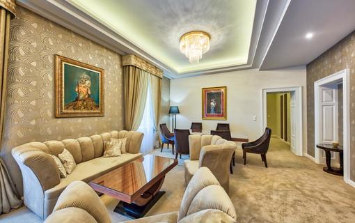 Royal Palace 1154921295