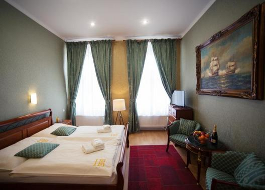 Hotel-Bristol-1