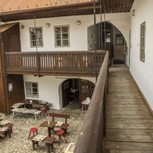 Hotel Kocour Třebíč 43242074