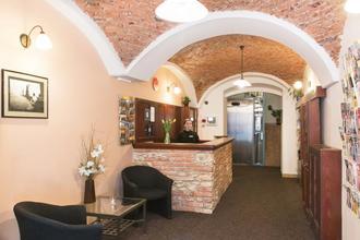 Hotel Karlin Praha 49058052