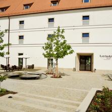 Lotrinský hotel Velké Pavlovice 42747510