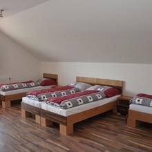 Ubytovanie u Moniky Podhájska 43304742