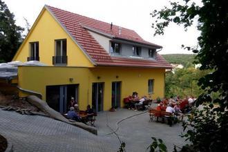 Penzion Mezi Stromy Mokrá-Horákov 43573128