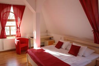 Víkendový romantický pobyt s wellness u Teplických skal-Hotel Střelnice