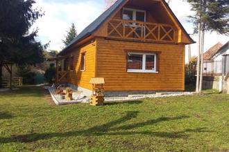 Liptovská chata pri potoku Svätý Kríž 44643768