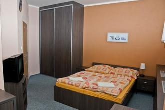 3 Kaštany Penzion&Restaurace Velké Heraltice 44553022