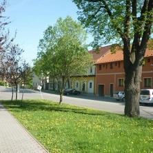 Penzion a restaurace V Maštali - Kněževes