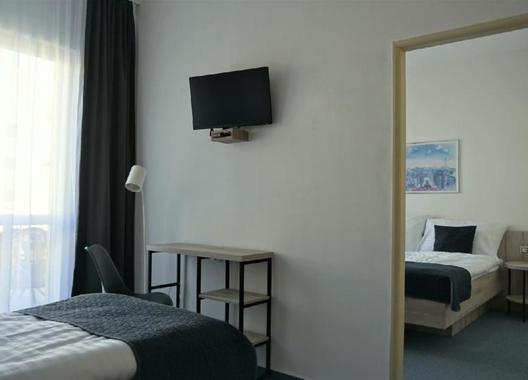 Hotel-Metropol-CB-7