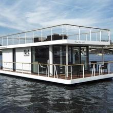 VIP living house boat Praha