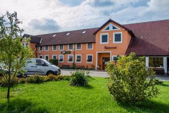 Hotel U jezera Velký Osek 48569170