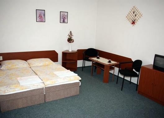 Hotel-Dobruška-3