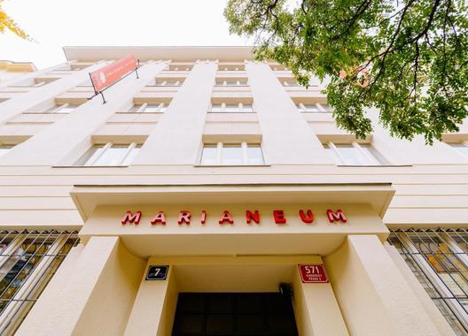 Marianeum-hotel-a-školicí-středisko-2