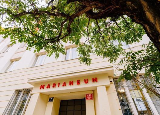 Marianeum-hotel-a-školicí-středisko-1