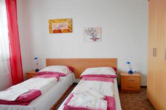 Penzion Žlutý dům ,Šlapanice Šlapanice 48521362
