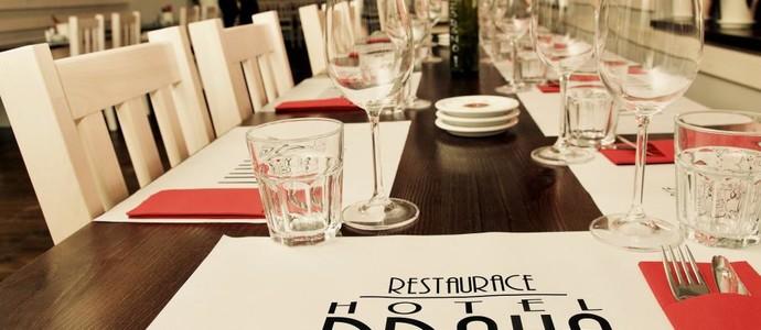 Restaurace Hotel Praha - Nižbor