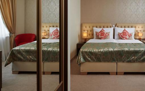 Honour and Grace Hotel Comfort pokoj