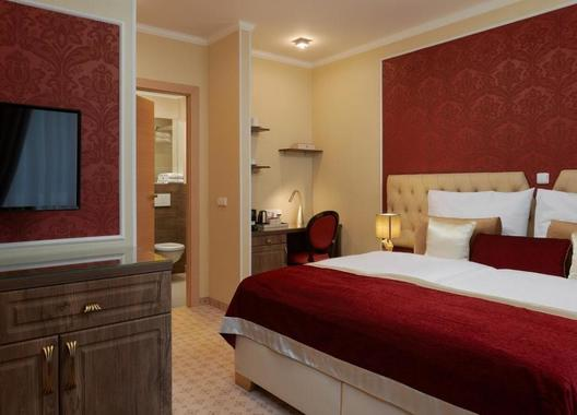 Honour-and-Grace-Hotel-7