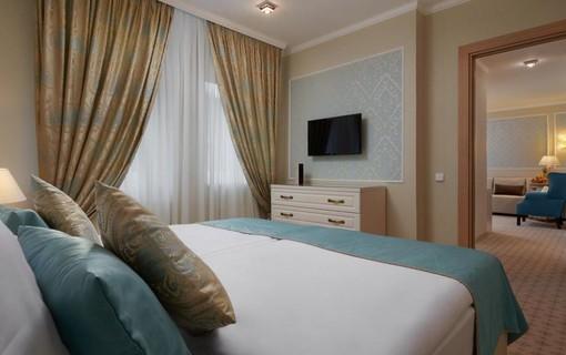 Relax u lesa-Honour and Grace Hotel 1136039811