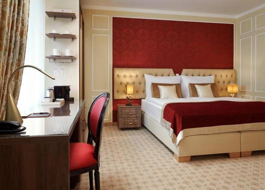 Honour-and-Grace-Hotel-8