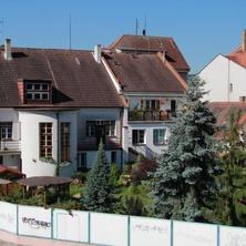 Budova apartmánu - zadní pohled - Týn nad Vltavou