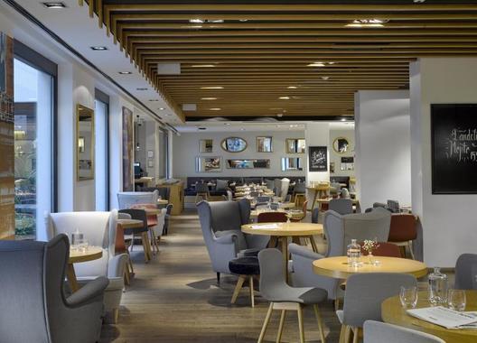innside-prague-old-town_restaurant-bar-home-3