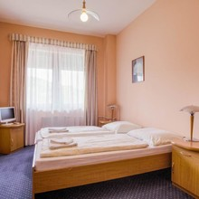 Hotel Laguna Neveklov 1124371581