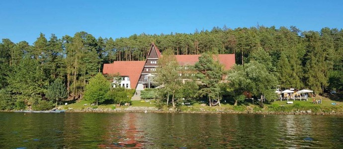 Hotel Laguna Neveklov