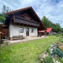 Rodinná chata v Podkrkonoší Pecka