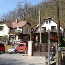 Penzion Pod Dračí skálou Karlštejn 883482460