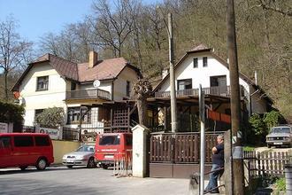 Penzion Pod Dračí skálou Karlštejn 45833342