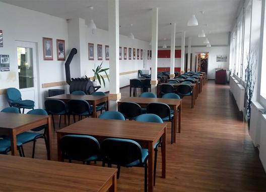 hotel-pod-zvicinou_kolonada-seminarni-prostor-2