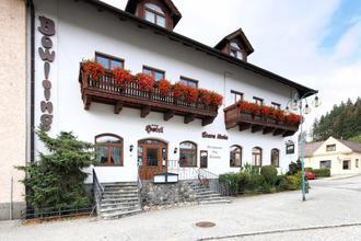 Sloup-Hotel Stará Škola