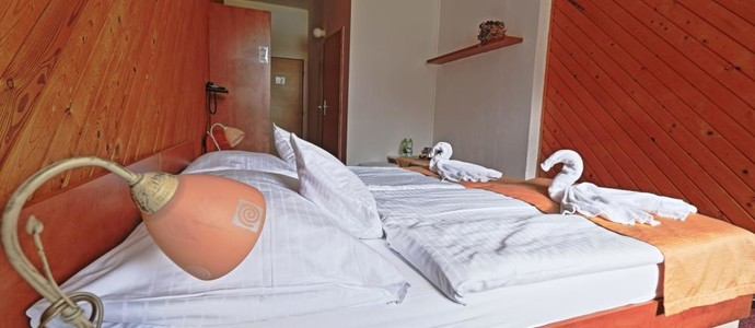"Hotel Skicentrum-Harrachov-pobyt-""Na skok"" do Harrachova"