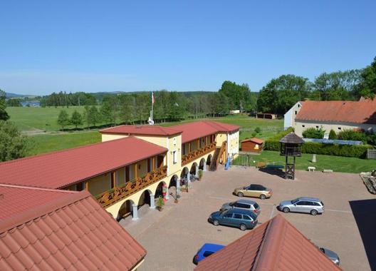 Hotelový-RESORT-STEIN-9
