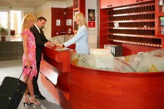 Lázeňská léčebna Mánes Karlovy Vary 46983844