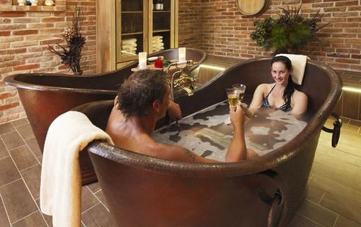 Lázeňský & wellness hotel Niva Wellness centrum - vinná koupel