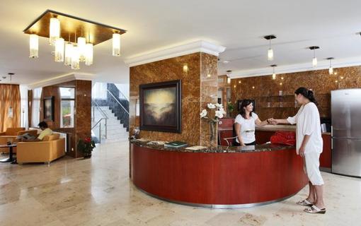 Lázeňský & wellness hotel Niva Recepce