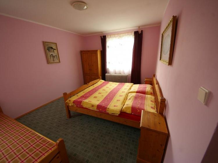 Domek - třílůžková ložnice č. 2