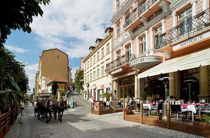 Hotely Lázně Karlovy Vary s bazénem
